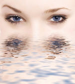 Blue eyes — Stock Photo