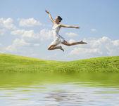 Kadın atlama — Stok fotoğraf