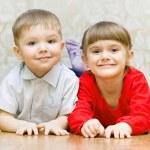 grappige jongen en een meisje — Stockfoto