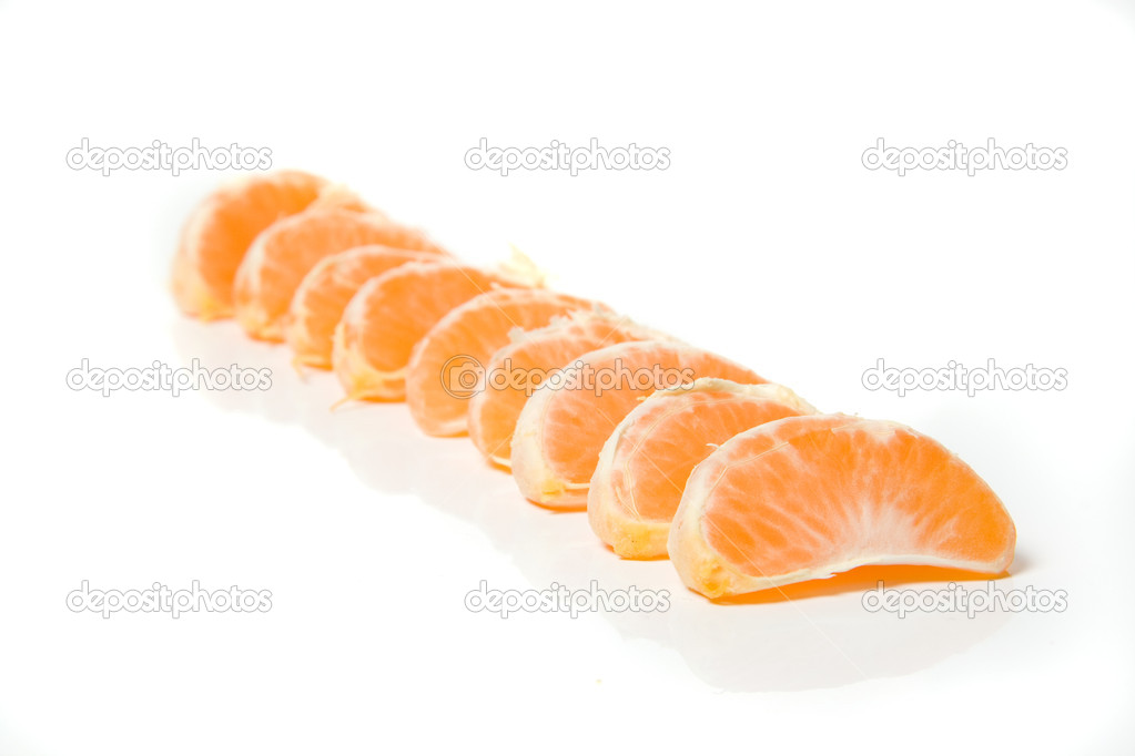 Segments of fresh tangerine fruit isolated on white background — Stock Photo #1876963