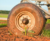 Pivot irrigation wheel — Stock Photo