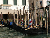 Venice - Gondolas waiting for tourists — Stock Photo