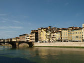 Florence - buildings along the Arno Rive — Stock Photo
