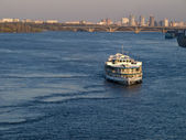 Ship on open spaces of the Dnieper Rive — Stock Photo