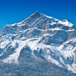 Snowbound mountain peak. — Stock Photo