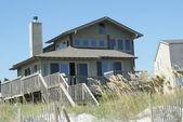 BEACH HOUSE LEFT ANGLE — Stock Photo