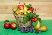 Basket of fruit — Stock Photo