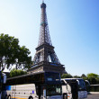 Stock Photo: Bus et tour eiffel