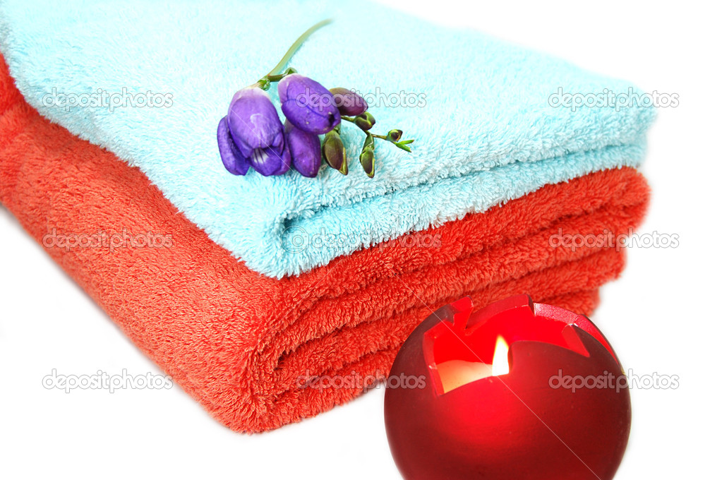 Towels and candles, spa relaxation — Stock Photo #1853534