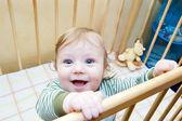 Roliga ansikte baby pojke — Stockfoto