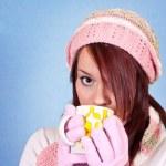Beautiful girl drinking tea — Stock Photo
