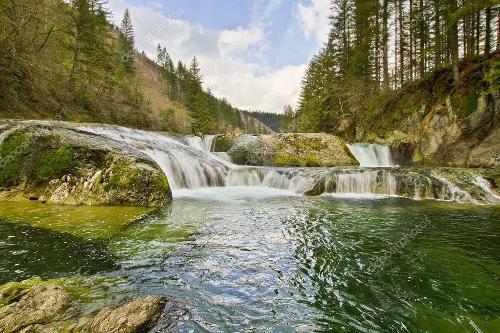 Dougan Falls, north of Washougal Washington. : pic