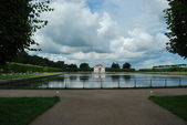 Lake in Peterhof — Stock Photo