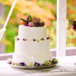 Foto Stock: Outdoor wedding cake
