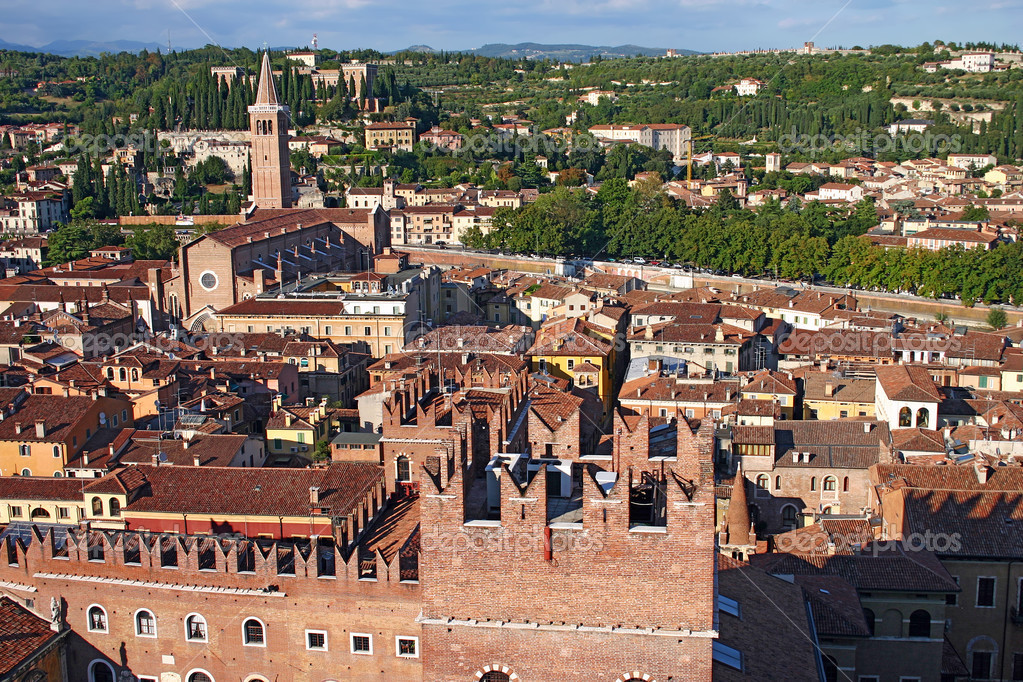 Skyline of Verona, Italy, from the top of the Lamberti Tower showing the Scaligeri Palace, church of Santa Anastasia with the Archaeological Museum in the dista — Stock Photo #2636198