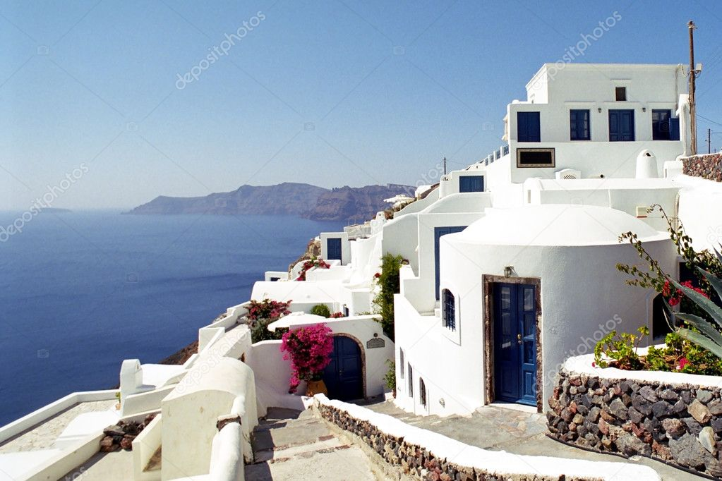 White stone house with beautiful ocean in Greece — Stock Photo #2458637