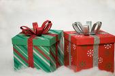 2 horizontale geschenke — Stockfoto