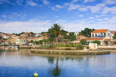 Islet with green yard in Vrboska — Stock Photo