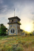Dilapidated hotel — Stockfoto