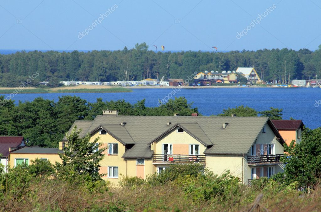 Houses on the shore of the sea — Stock Photo #1934382
