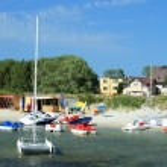 watersport apparatuur op het strand — Stockfoto