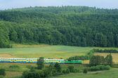 Trem de passageiros de passagem countrys — Foto Stock