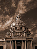 Paris - the dome of the chapel of Invali — Stock Photo