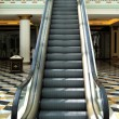 Escalator in a shopping mall — Stock Photo