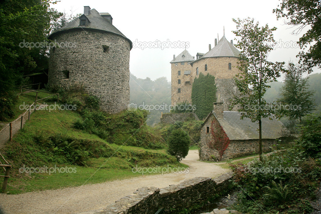 Castle Reinhardstein near Robertville village in Belgium. Belgian Ardennes region. Gloomy day. — Stock Photo #2146592