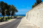 Mediterranean seaside promenade — Stock Photo