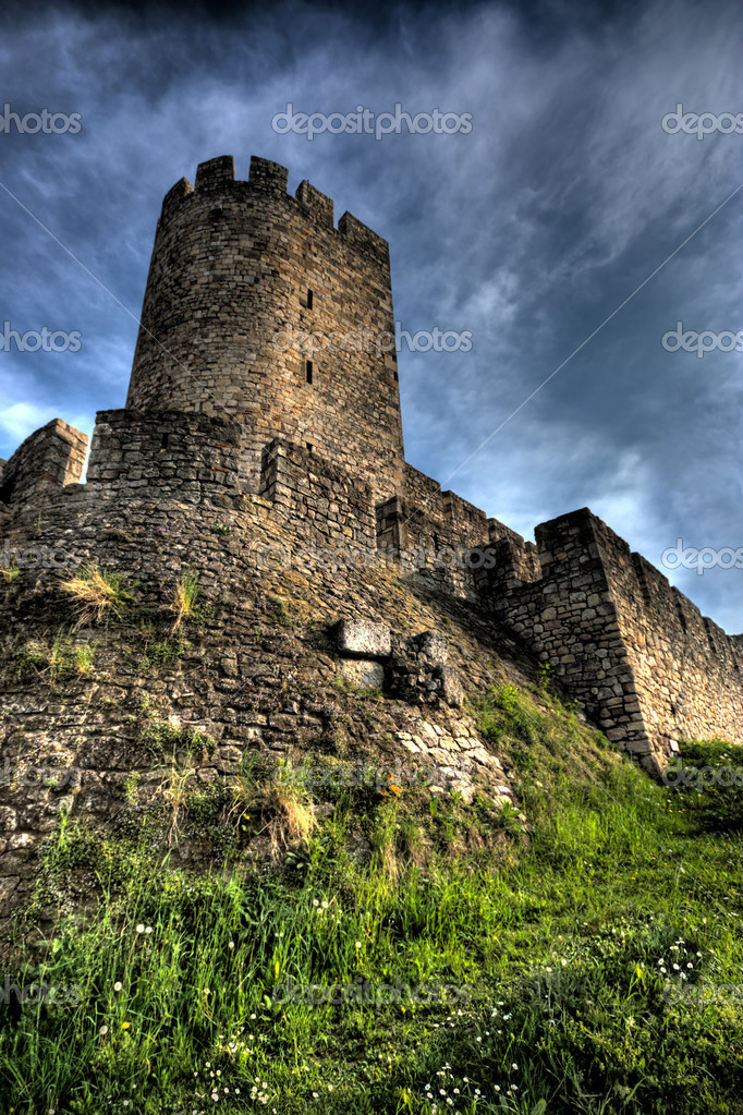 Tower of ancient fortress Kalemegdan in Belgrade, Serbia — Stock Photo #1892106