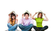 Group of students studing together — Foto Stock