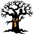 Spooky tree silhouette — Stock Vector