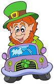 Cartoon leprechaun driving car — Stock Vector
