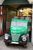 Vecchio camion verde — Foto Stock