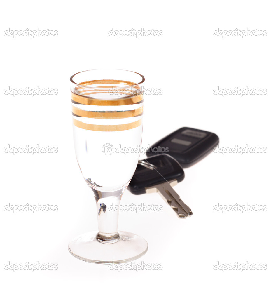 Glass of vodka and keys to car photo on the white background — Stock Photo #1911701