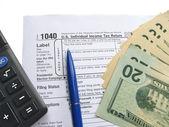 Individual tax return form 1040 april — Stock Photo