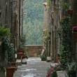Small street in Pitigliano — Stock Photo