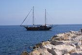 Yacht on the island of Ischia — Stock Photo