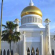 Sultan Omar Ali Saifuddin Mosque — Stock Photo