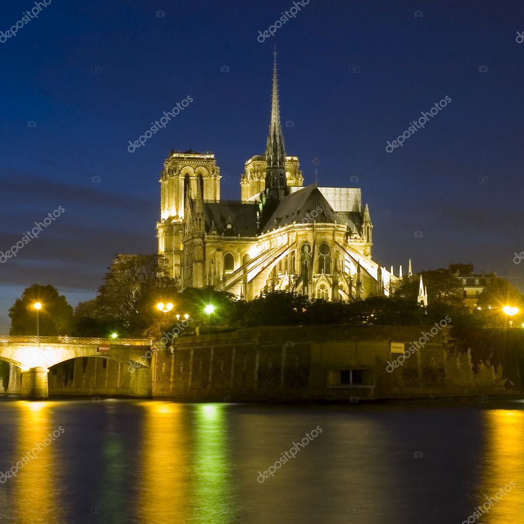 Notre dame church in Paris — Stock Photo #1925986