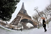 Eiffel tower with snow — Stock Photo