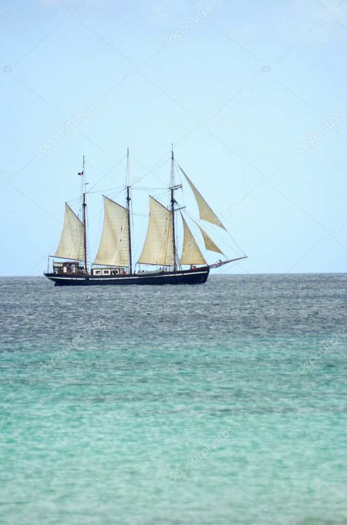Boat in the sea — Stock Photo #1982233