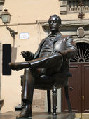 Bronze statue of Puccini in Lucca, — Stock Photo