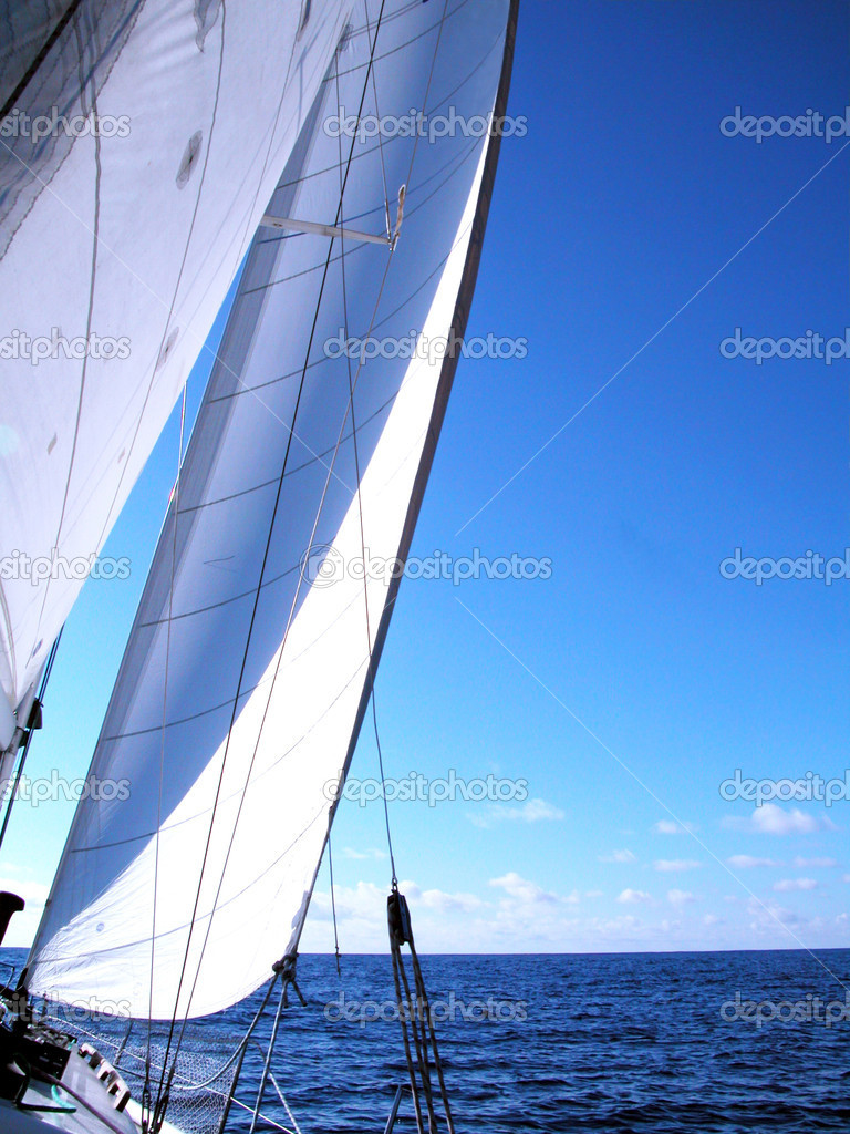Sailing in atlantic — Stock Photo #1990332