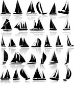 Silhouettes of yachts — Stock Vector