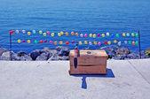 Shooting balloons — Stock Photo