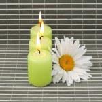 velas y flores — Foto de Stock