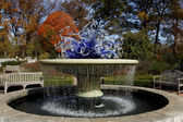 Chihuly in the garden — Stock Photo