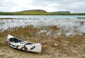 Abandoned canoe at WIngfield Basin — Stock Photo
